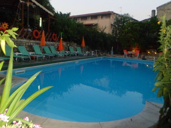 Argo Studios: Pool