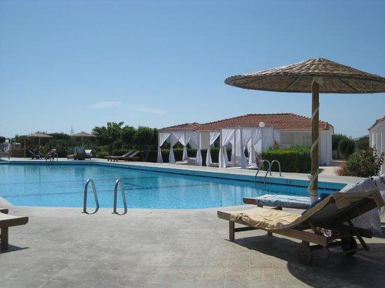 Fito Aqua Bleu Resort: Fito Bay pool
