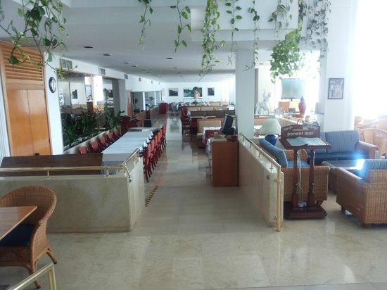 Apartotel Ponent Mar: Eet zaal