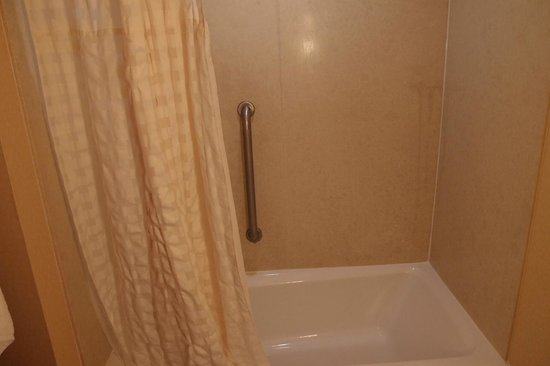 Embassy Suites by Hilton San Marcos - Hotel, Spa & Conference Center: Bathroom