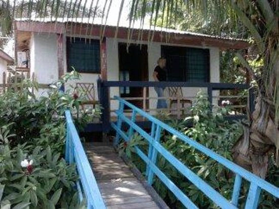 Aylos Bay Guest House: bungalow