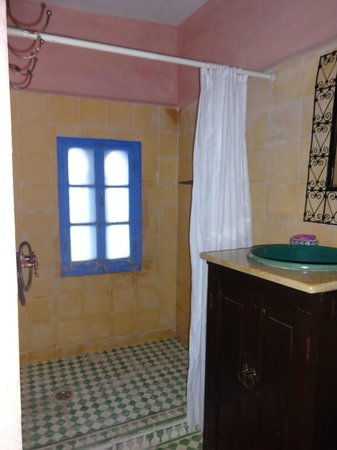 Dar Dalia: Bathroom