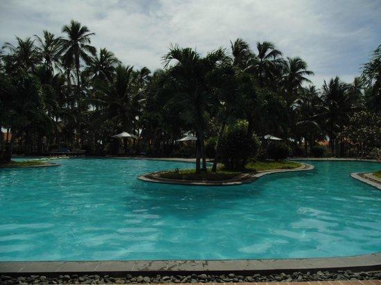 Muine De Century Beach Resort & Spa: бассейн
