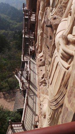 Maiji Shan Caves: Steep and invigorating climb!