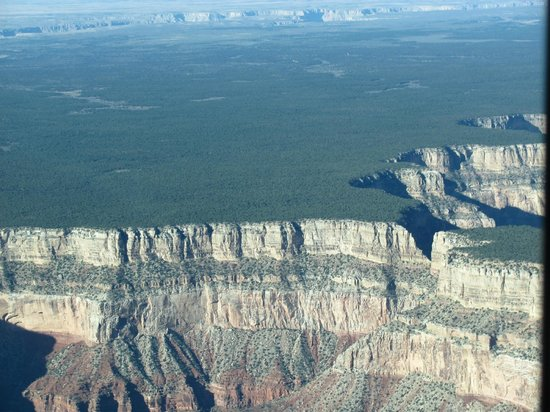 Westwind Air Service: Flat land meets canyon edge