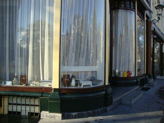 Amsterdam Wiechmann Hotel: Sala colazioni dall'esterno