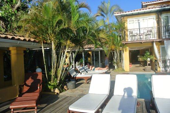 Vila d'este : Deck and Pool area