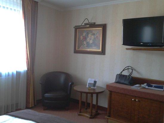 Eden Hotel: Zimmer 323
