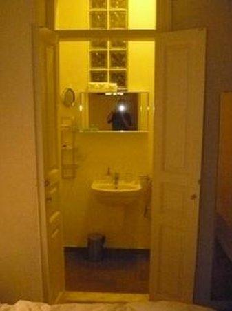 Easy Home Istanbul: Bathroom - Chic 1