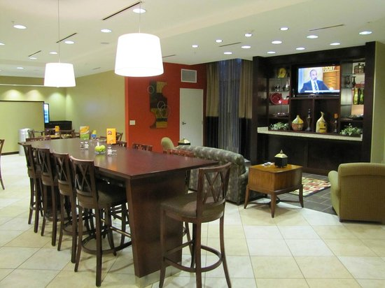 Holiday Inn Express Lexington-North Georgetown : Breakfast area