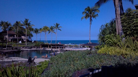 Four Seasons Resort Hualalai: Our partial ocean view. Mornings here are beautiful!