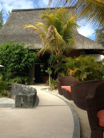 Emeraude Beach Attitude: View from bar to the reception