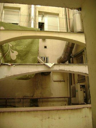 Petit Palace Opera : A péssima vista do quarto