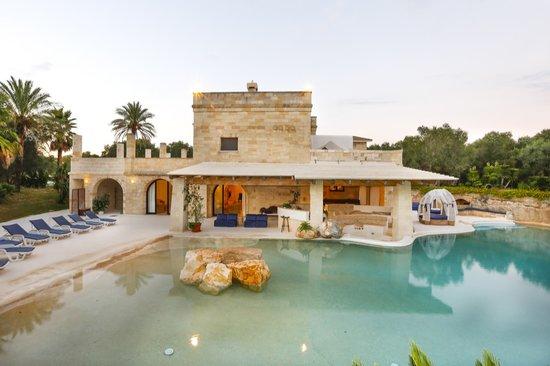 Esterno picture of masseria quadrelli poggiardo tripadvisor - Masseria con piscina salento ...