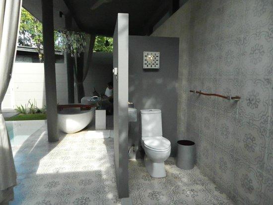 SALA Phuket Resort & Spa: ...without privacy :)))