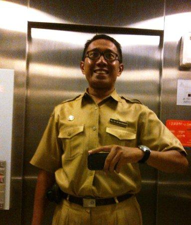 Harris Hotel & Conventions Festival CityLink: Di lift-pun bergaya