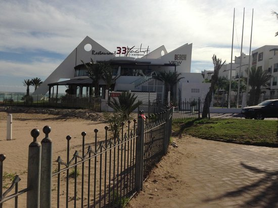 Yacht Club : Outside view