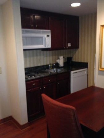 Homewood Suites by Hilton Knoxville West at Turkey Creek: Knoxville Homewood Inn & Suites Kitchen Area