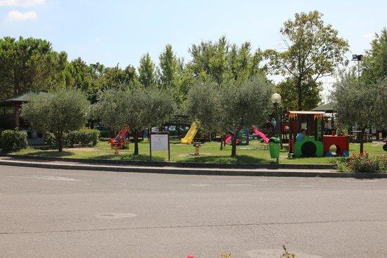 The Garda Village: Детская площадка