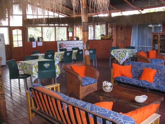 Kaimana Inn Hotel & Restaurant : Kaimana Inn Sitting Area
