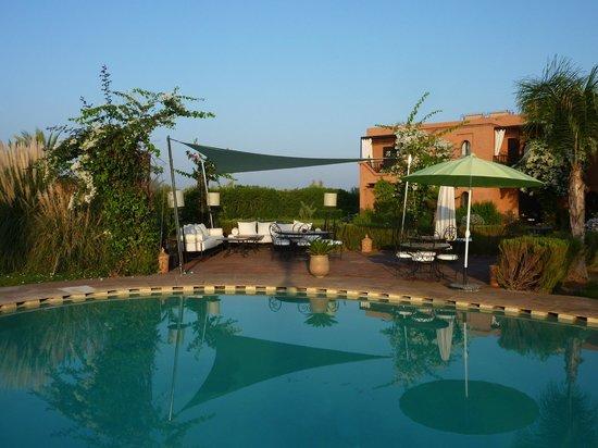 Riad Al Mendili Kasbah: Terrasse piscine