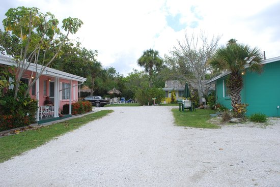 Siesta Key Beach Place : The pink cottage is the seahorse.
