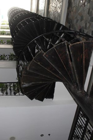 Hanoi Boutique Hotel: Funky Staircase