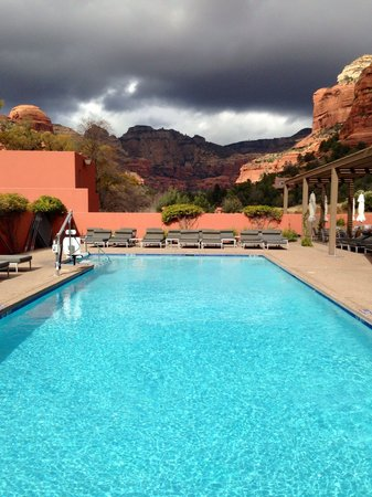 Enchantment Resort : The spa outdoor pool