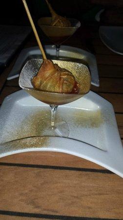 Sergio Megias Gastrobar : Chupachup de carrillada con confitura de tomate
