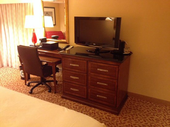 Boston Marriott Cambridge: Clean and comfortable work space