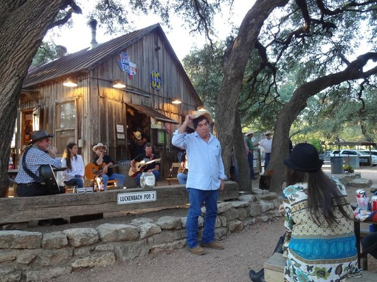 Luckenbach Texas General Store: Performance