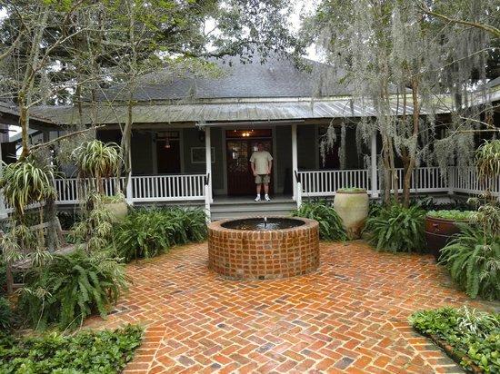 Rip Van Winkle Gardens: Entrance