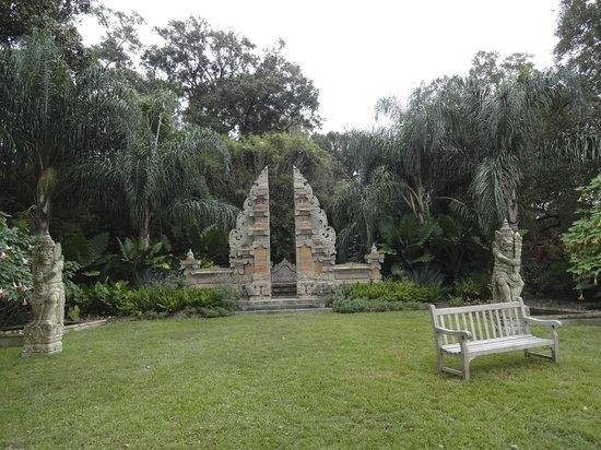 Rip Van Winkle Gardens: Gardens