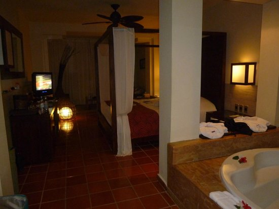 Catalonia Royal Bavaro: our room