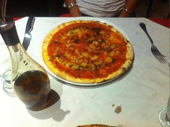 Sorrisi: vegan marinara pizza