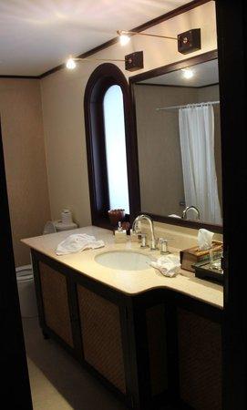 Ansara Hotel : Bathroom