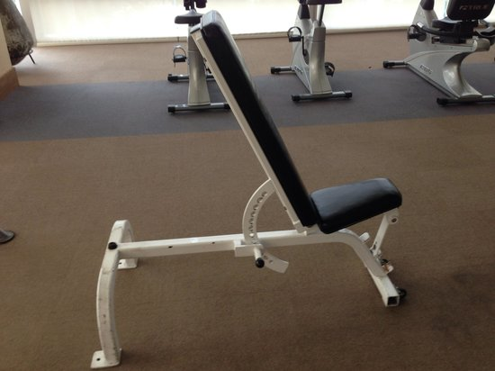 Urbana Sathorn: Gym peu equipee