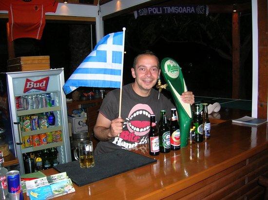 Levantino Studios & Apartments: Mario's bar