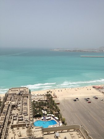 Hilton Dubai Jumeirah : view from one of the windows