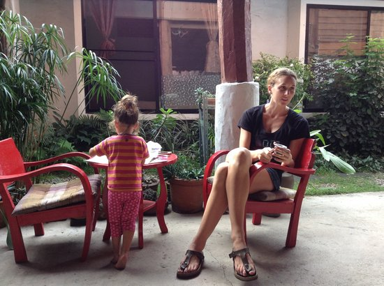 Baan SongJum Wat Ket: Relax after breakfast