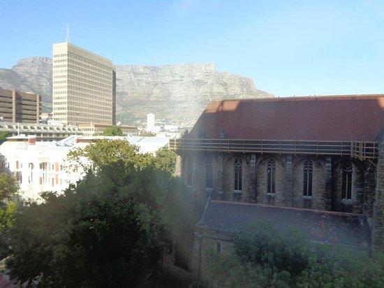Taj Cape Town: Vue de la chambre sur Table Mountain.