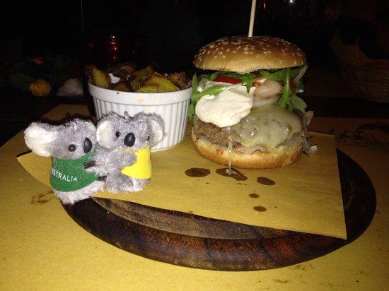 Osteria dei Sani: Hamburger della casa!!!