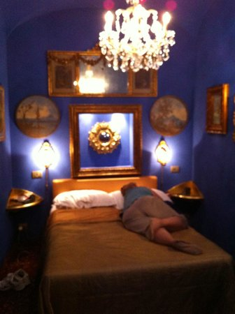 Boutique Hotel Campo de Fiori: Our blue room from our Sept 2012's stay. This photo never uploaded in our previous review