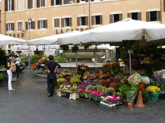 Boutique Hotel Campo de Fiori: Piazza Campo d' Fiori, just around the corner, on Saturdays is something you don't wan to miss