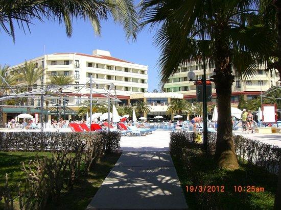 Miramare Queen Hotel: vom Strand kommend