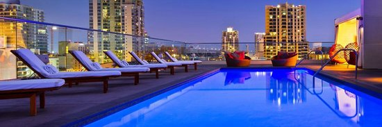 Andaz San Diego: Pool and View on the Rooftop