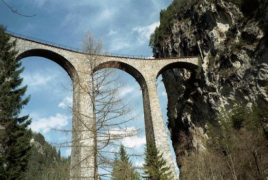 Hotel Grischuna : Landwasser viaduct