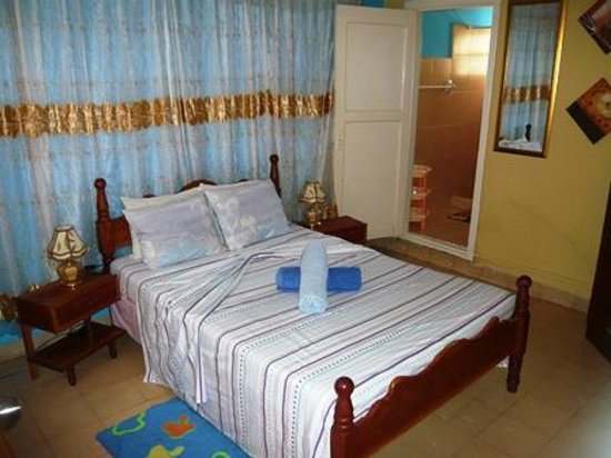 Hostal El Balcon: 1st room