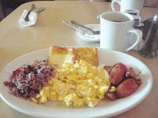 Casa Del Cafe: Poet's breakfast