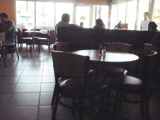 Casa Del Cafe: Inside the cafe